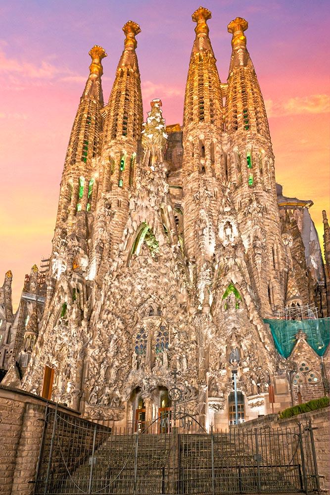 BARCELONA, SPAIN – DECEMBER 14: La Sagrada Familia – the impress