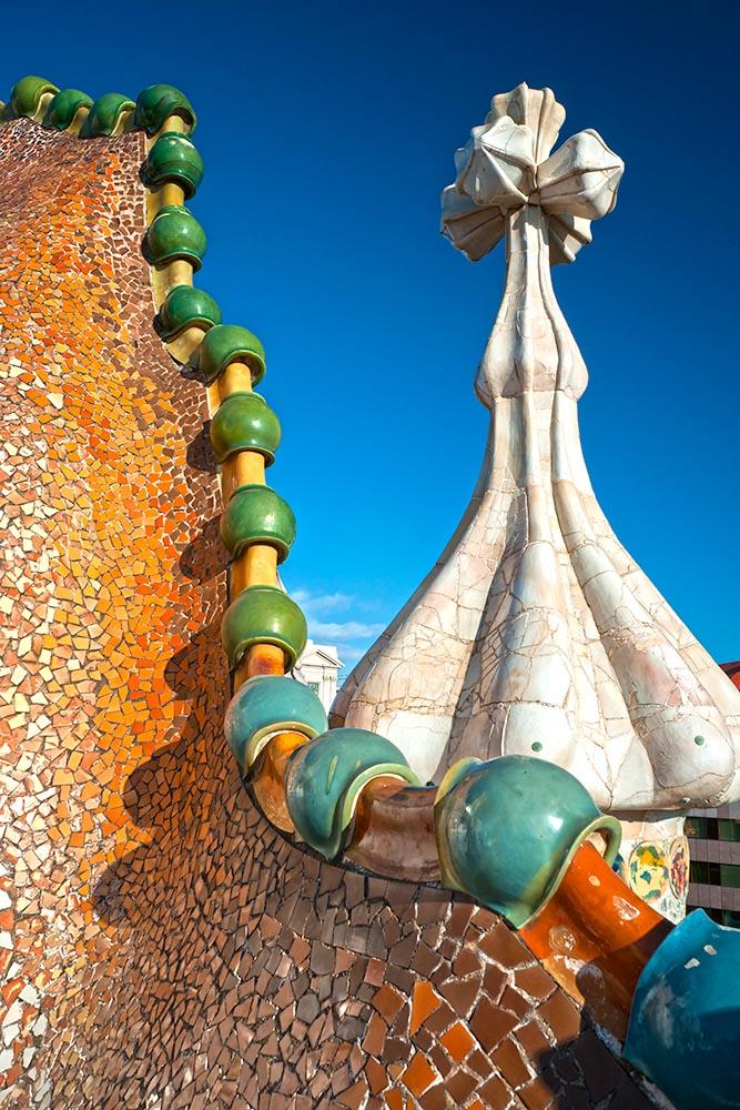 BARCELONA – DECEMBER 16: The facade of the house Casa Battlo (al