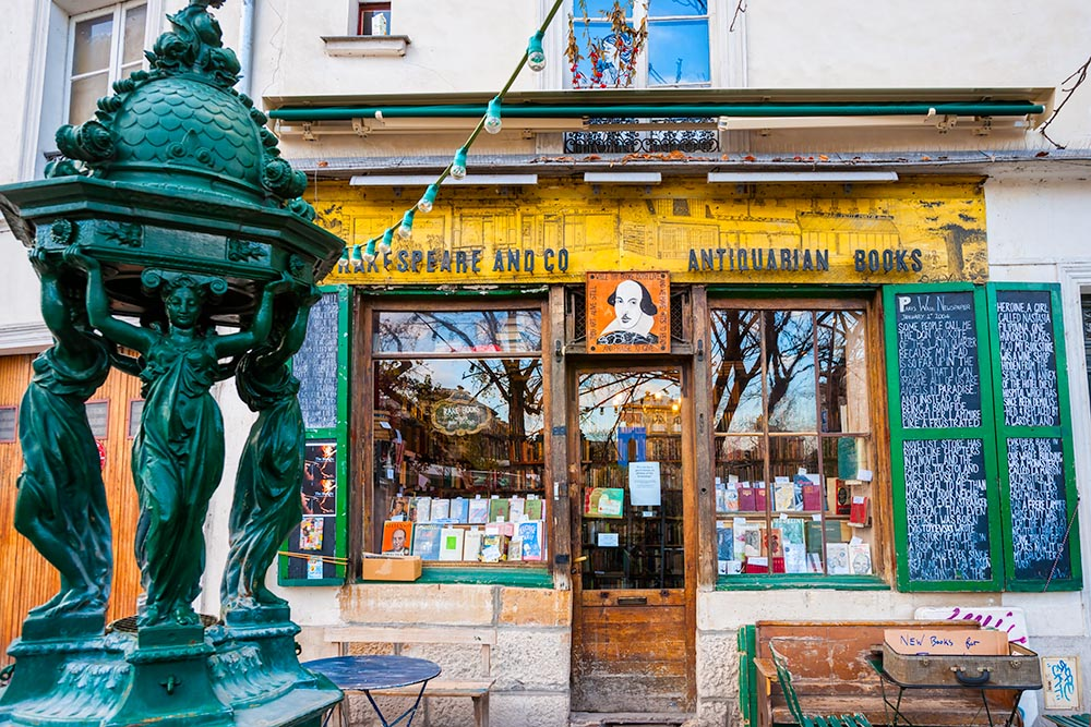 PARIS-DECEMBER 11: The Shakespeare and Co. bookstore on December