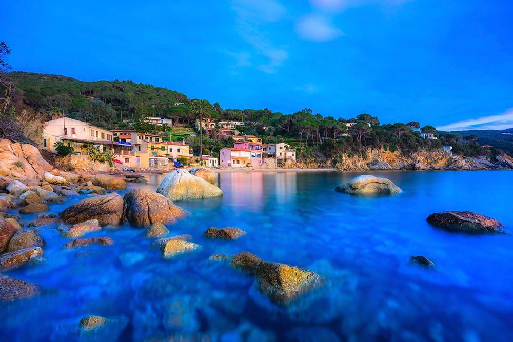 FlorencBiodola Beach, Portoferraio, Elba Island, Italye at sunri